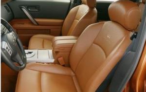 车内真皮座椅污染大,需小心