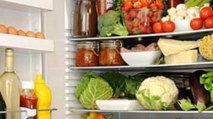 冰箱食物也会发霉变质 除霉需仔细